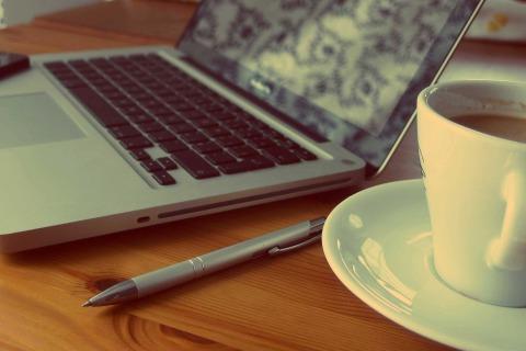 macbook-925480_1920